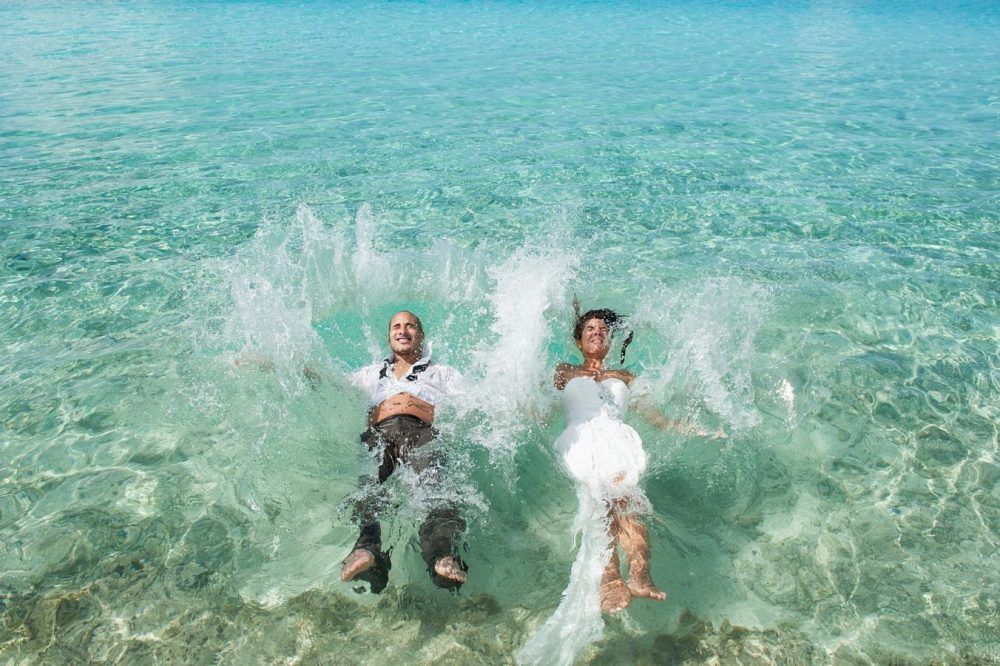 Photographer trash the dress bora bora