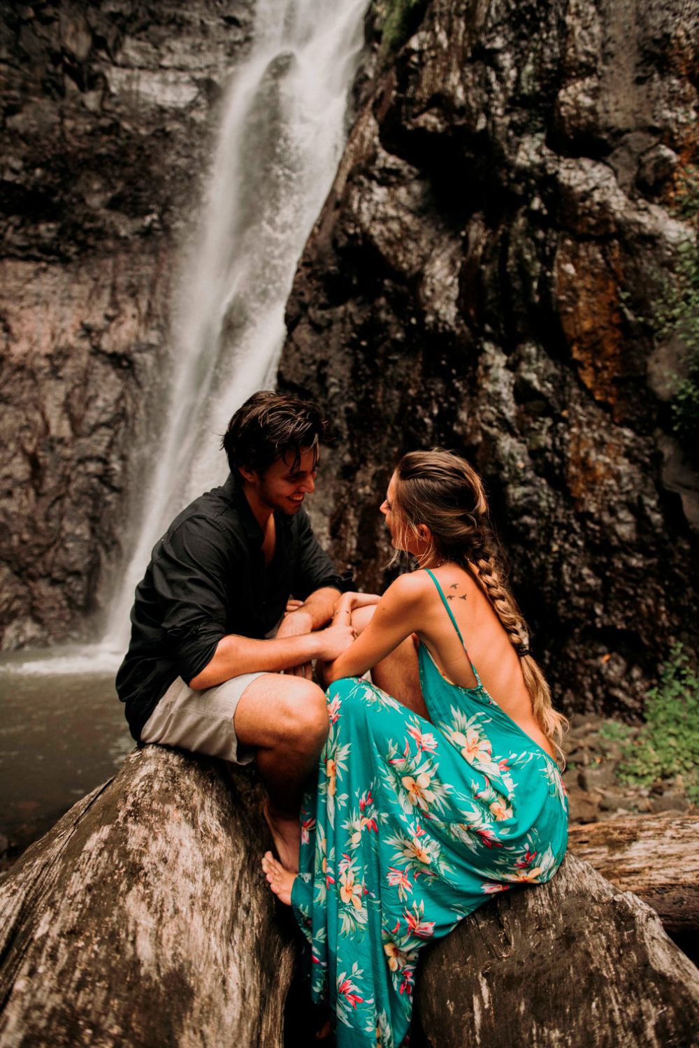 Couple session in the Tahiti tropical forest