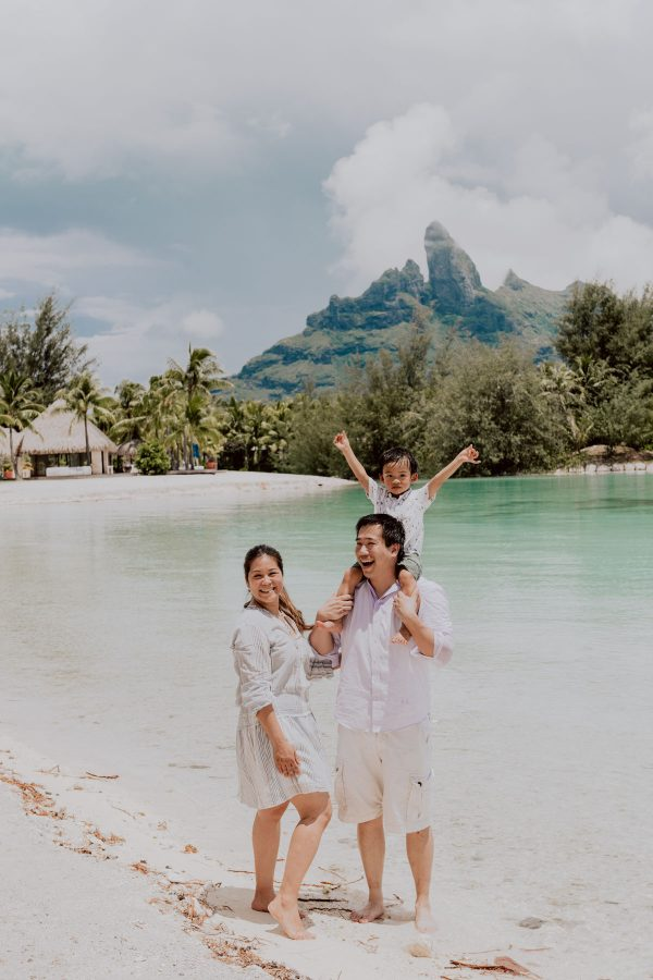 Family photo shoot at the St Régis Bora Bora