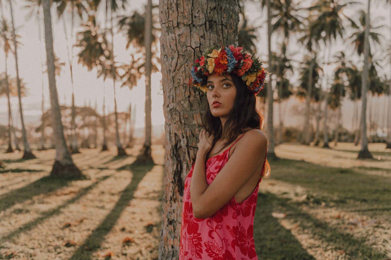 Séance photo sous les cocotiers à Tahiti