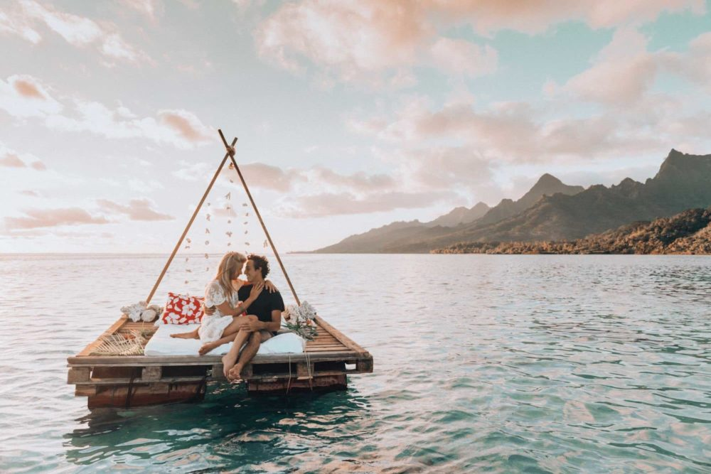 A bed on the lagoon Moorea