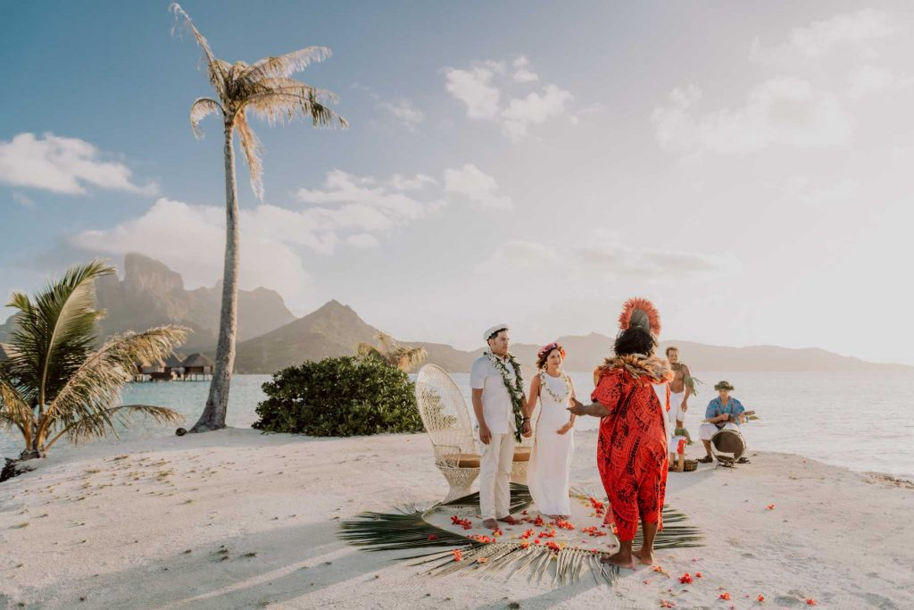 Intimate tradition polynesian wedding