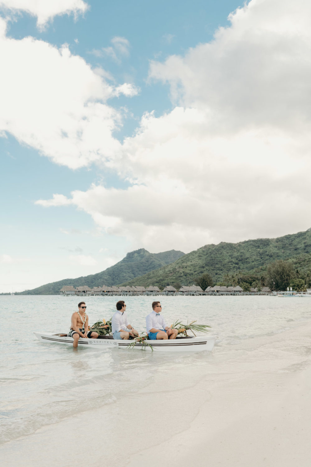 Wedding photographer sofitel moorea