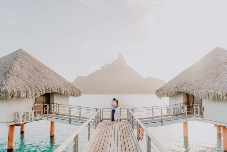 Sunset couple photoshoot Le Méridien Bora Bora